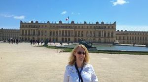Had the chance to try out my French while visiting Versailles and Paris! :)
